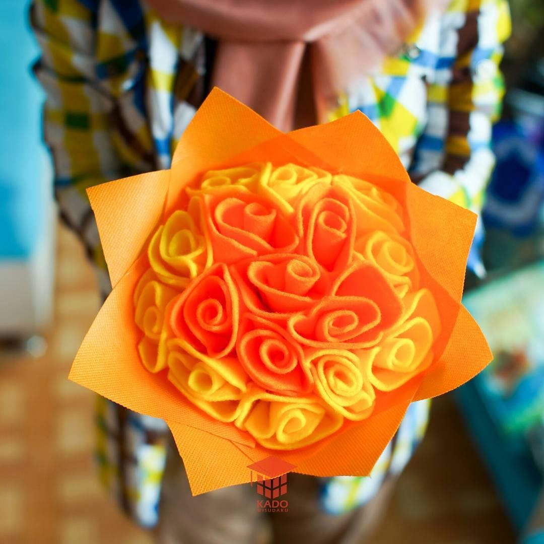Harga Buket Bunga Flanel Hitam Wisuda di Madiun